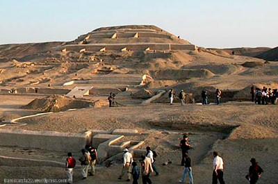 cahuachi-nazca4026-001.jpg