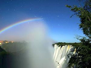 300px-lunar_rainbow_3_-_orion_l_-_victoria_falls_-_calvin_bradshaw_3.jpg