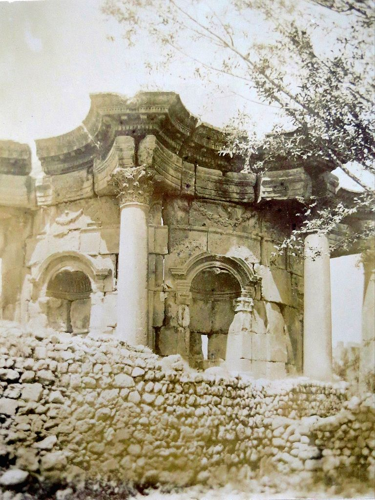 768px-temple_of_venus,_baalbek,_1891.jpg