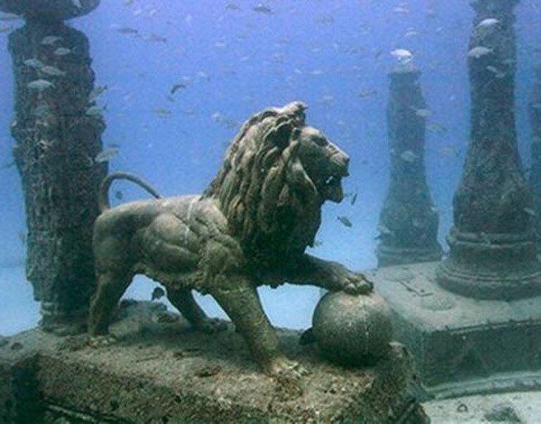 Hasil gambar untuk kuil cleopatra alexandria