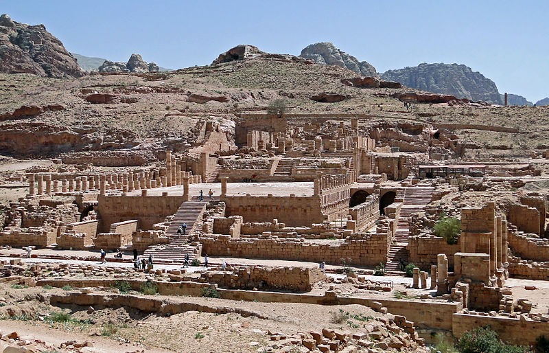 800px-great_temple_of_petra_02.jpg