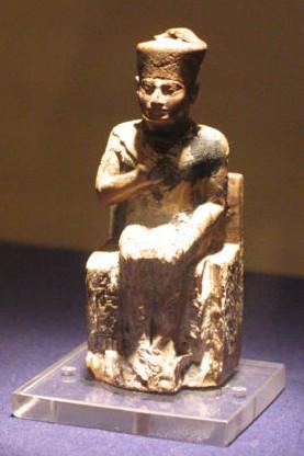 patung khufu di museum kairo-bs22.jpg